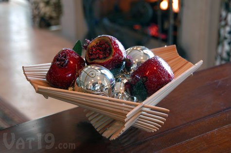 Display your seasonal decorations in the Chopstick Folding Baskets.