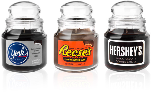 Choose between York Peppermint Patties, Hershey's Milk Chocolate, and Reese's Peanut Butter Cups chocolate scented candles.