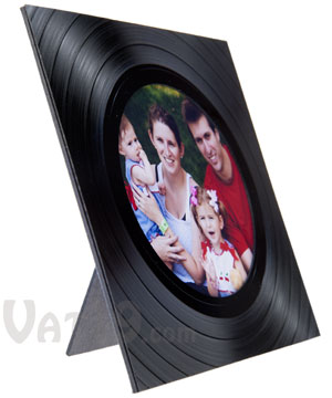 photo frame made from a recycled lp record