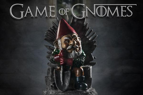 Game of gnomes garden gnome for Game of thrones garden ornaments