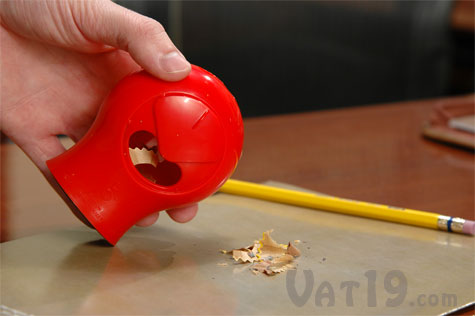 Compartment for storing pencil shavings
