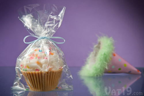 Wrapped in a cello bag with and tied off with a ribbon, Jumbo Cupcake Candles make a great party favor!