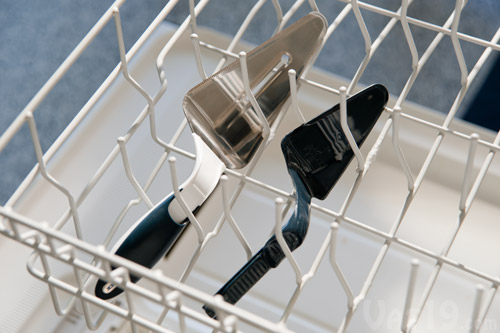 The Slice 'n Slide Cake Server pulls apart for easy cleaning in the dishwasher.